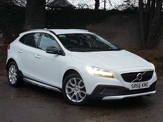 Volvo V40 CC D2 Cross Country Pro Manual (Winter Pack, National Delivery Available)