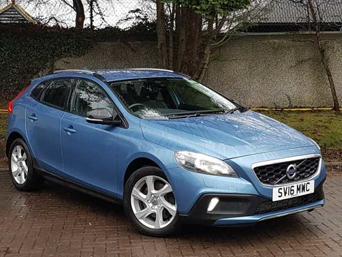 Volvo V40 CC D2 Cross Country Lux Manual Nav (Winter Pack, National Delivery Available)