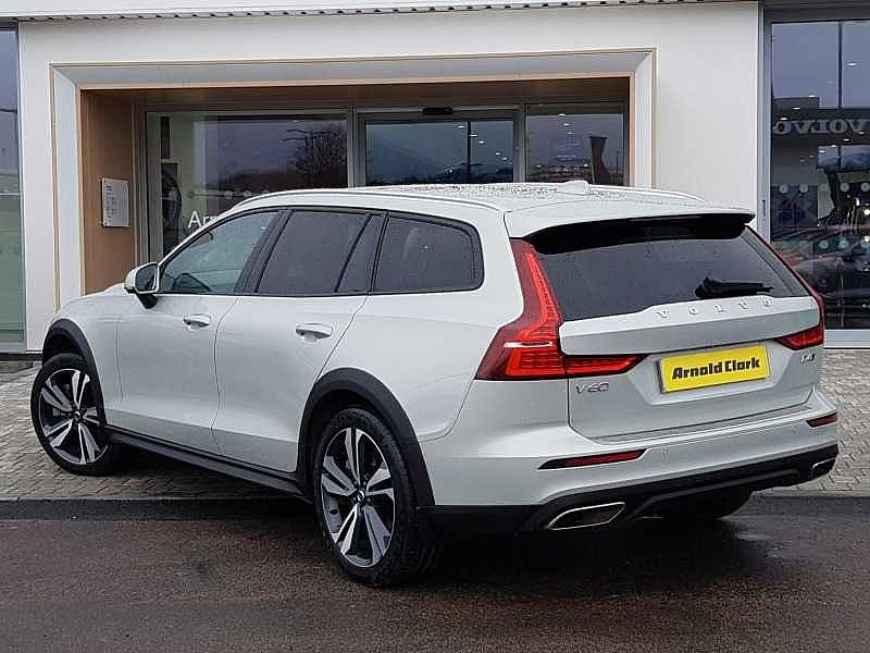Volvo V60CC D4 AWD Cross Country Automatic (Reversing Camera, National Delivery £95)